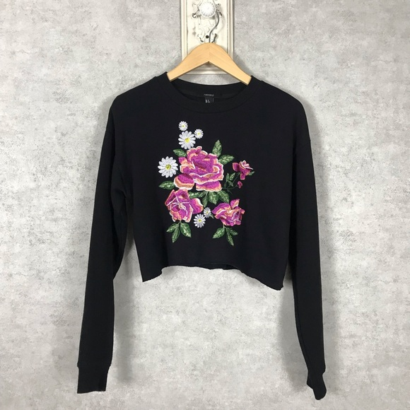 Forever 21 Tops - Forever 21 Floral Embroidered Crop Top